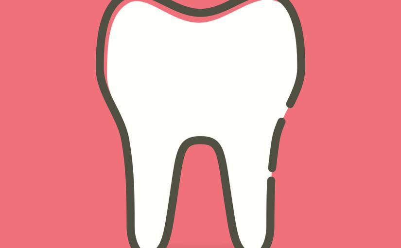 Śliczne urodziwe zęby oraz powalający prześliczny uśmiech to powód do płenego uśmiechu.